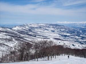 春の鍋倉山バックカントリースキー